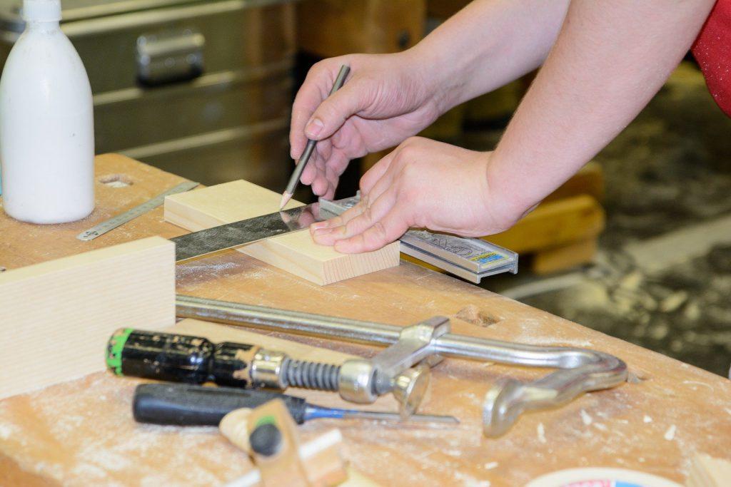 Handwerkliches arbeiten mit Holz